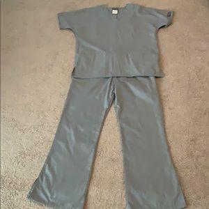 Women's Cherokee workwear scrub set